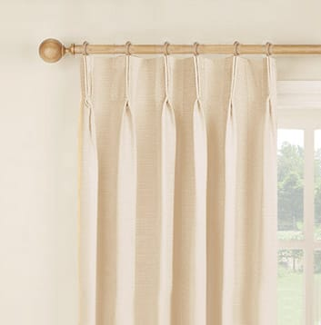 how to hang curtains easy to follow detailed guide on how to hang your curtains like a pro. Black Bedroom Furniture Sets. Home Design Ideas
