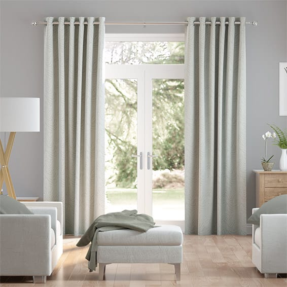 Formation Silver Curtains