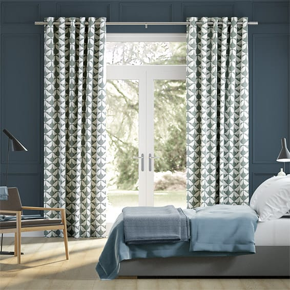Lintu Ash Curtains
